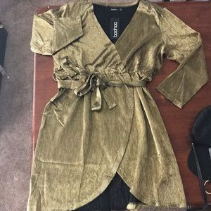 Gold belted dress. Sz. 14. NWT.